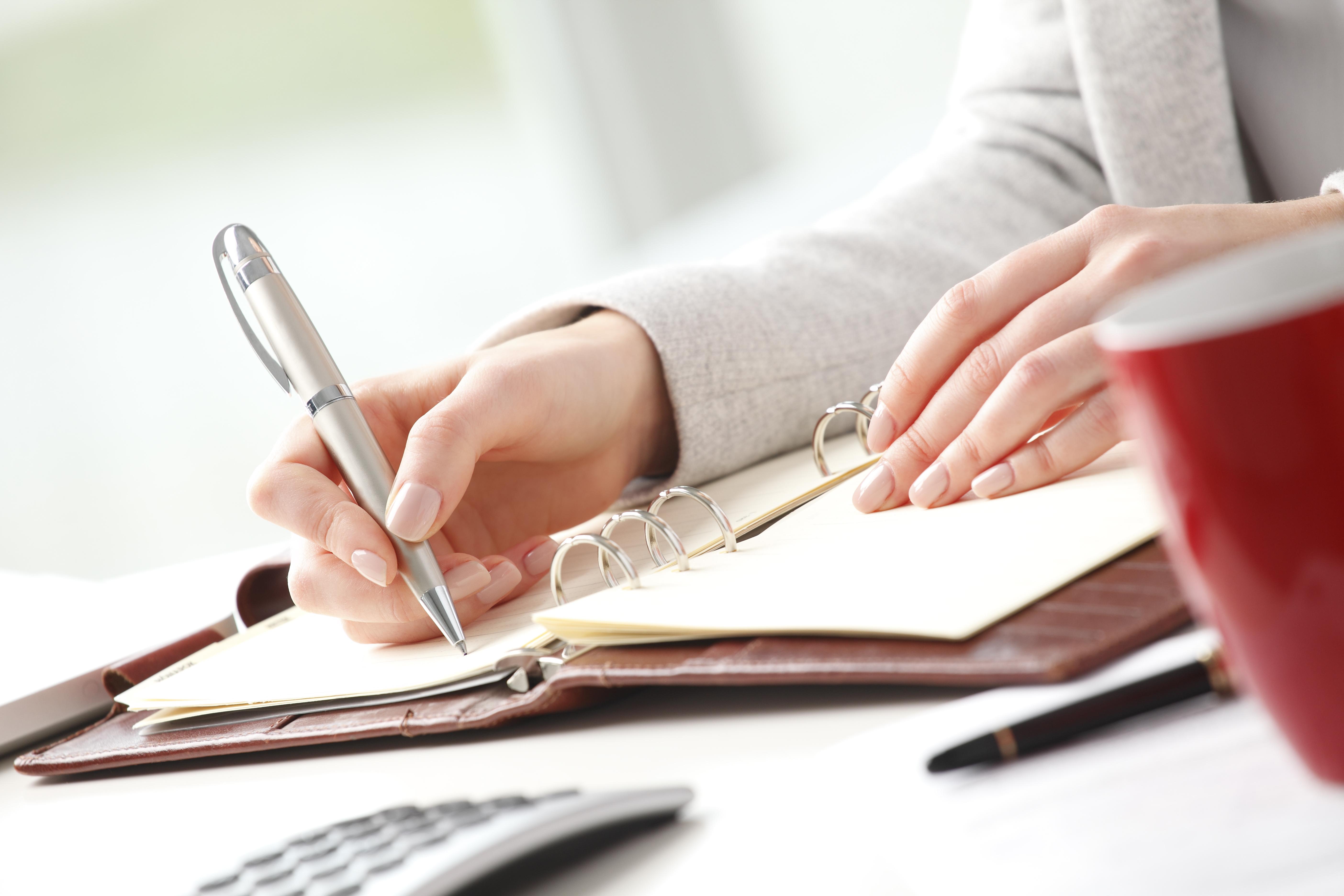 pen write journal table - Представительство в суде первой инстанции
